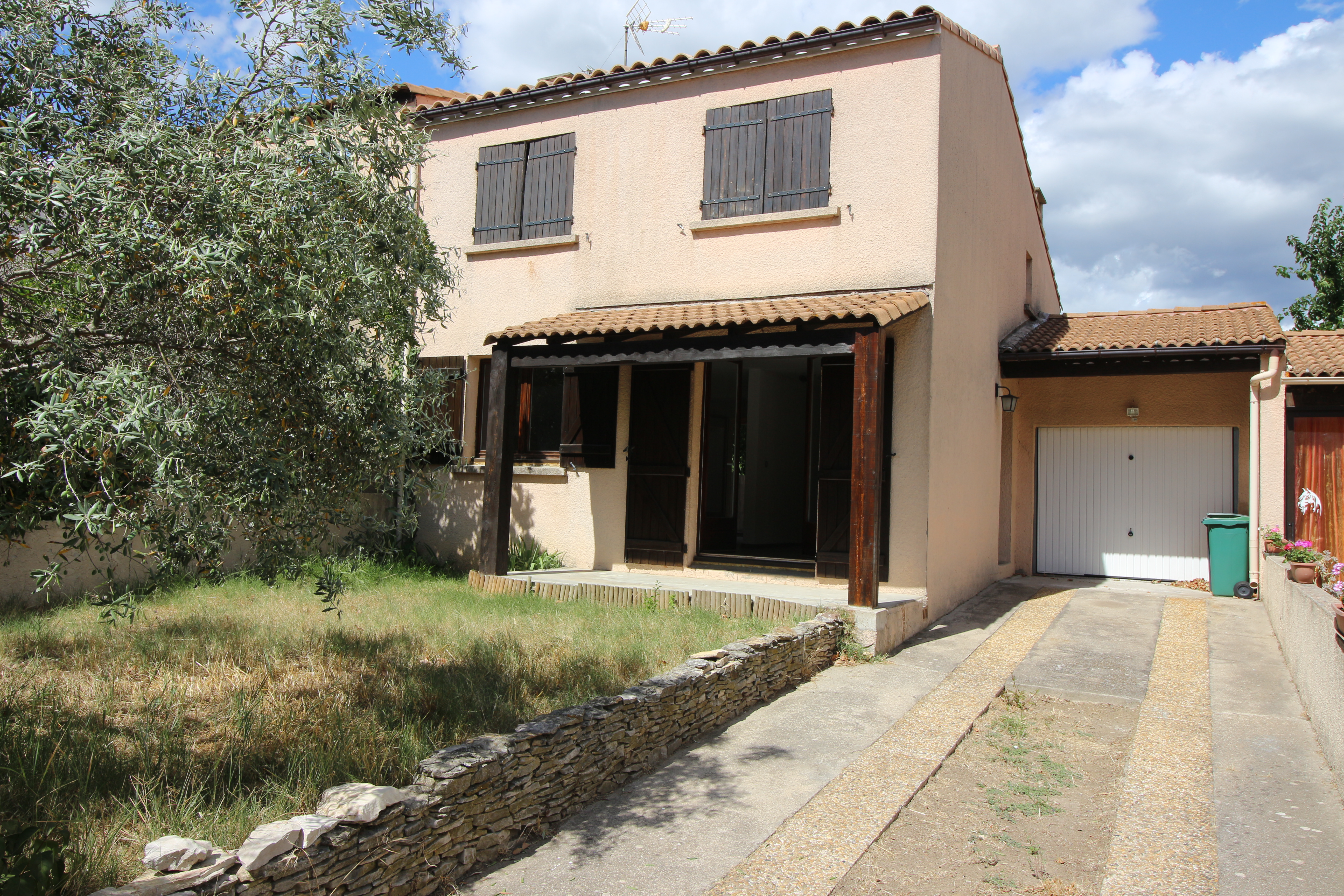 A louer villa nimes castanet espace immo nimes for Immobilier a louer